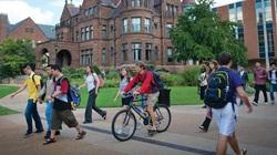 Nhiều trường đại học ở Mỹ không bắt buộc phải có điểm SAT và ACT