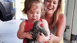 Video clip: Tình huống dở khóc dở cười khi lần đầu trẻ em đi thăm nông trại