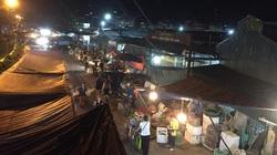 """Bí mật """"chấn động"""" ở chợ Long Biên: Quận Ba Đình hợp thức hóa cho ki ốt vi phạm?"""