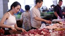 """Giá thịt lợn vẫn """"neo"""" cao dù nhập khẩu tăng 223%"""