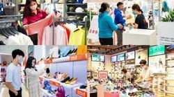 Hậu Covid: Phố xá tấp nập, TTTM ùn ùn khách mua sắm