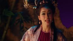 """Chi Pu biến hóa chóng mặt, vừa nhận làm """"sầu nữ"""" thoắt cái lại thành chủ gánh hát lô tô"""