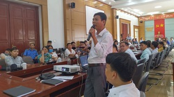 Dân bị phạt vì trồng lúa trên đất bỏ không: Chính quyền đối thoại với người dân