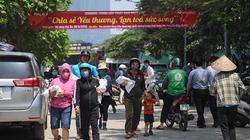 Báo Nông thôn Ngày nay phát 10 tấn gạo đến tay người khó khăn