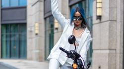 Hoa hậu H'Hen Niê gây choáng với trang phục cắt xẻ gợi cảm, lái mô tô phân khối lớn