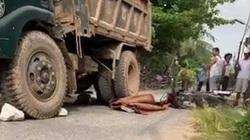 Video tai nạn giao thông ngày 11/6: Cô gái trẻ chết thảm dưới gầm xe ben