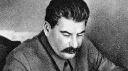 Hé lộ hai lần Stalin 'tha' cho trùm phát xít Adolf Hitler
