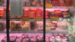 Giá thịt lợn cao ngất ngưởng, sinh viên cả tháng chỉ dám mua đôi lần