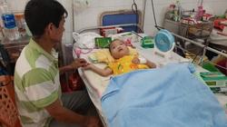 Bố mẹ xin cho con về chết, bác sĩ quyết giành mạng sống cho bé trai bị tim bẩm sinh