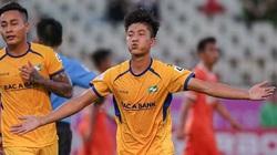 Một mình Phan Văn Đức giúp SLNA đứng thứ ba V.League