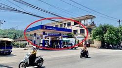 """Cửa hàng xăng dầu """"chui"""" ngang nhiên hoạt động hơn 15 năm?"""