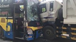 3 xe ô tô va chạm trên đèo Bảo Lộc, nhiều hành khách hoảng loạn