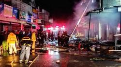 2 cửa hàng cháy rụi, ước thiệt hại tiền tỷ