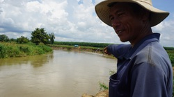 """Bình Thuận: Nông dân kêu cứu vì đất canh tác bị Hà Bá """"nuốt"""" chửng"""