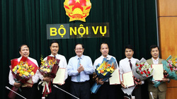 Bộ Nội vụ điều động, bổ nhiệm nhiều lãnh đạo chủ chốt