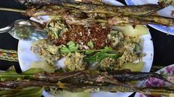 Đặc sản Đắk Nông: Cá suối nướng ăn với kiến vàng, chàng lỡ ăn rồi thì chỉ có mê