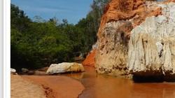 Bình Thuận: Dòng suối cạn chỉ dài có 1,8km nước chảy quanh năm, sao lại có màu đỏ lạ kỳ?