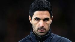 """Arsenal rơi vào """"cửa tử"""", HLV Arteta báo thêm tin cực buồn"""