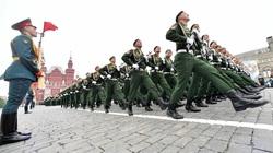 Xem diễu binh lịch sử, 24 nguyên soái  249 tướng lĩnh, 2536 sĩ quan, 31116 binh sĩ kỷ niệm chiến thắng Phát xít