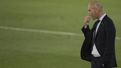 Real Madrid giành 3 điểm tranh cãi, Zidane nói gì vì bị Pique chọc ngoáy?