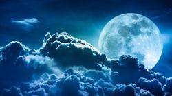 Vì sao Mặt trăng càng ngày càng xa Trái đất?