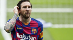 Giày vàng La Liga 2019/20: Benzema sắp đuổi kịp Messi