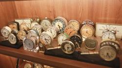 """Ông lão Hà thành và bộ sưu tập đồng hồ """"cực khủng"""", đặc biệt có chiếc có khả năng dự báo... """"bão"""""""