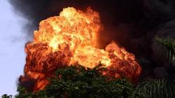 Hà Nội: Cháy cực lớn kho hóa chất ở cảng Đức Giang
