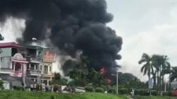Khói lửa và tiếng nổ như bom ở đám cháy kho hàng Đức Giang