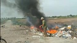 """Hải Phòng: Bãi rác đốt âm ỉ suốt ngày đêm """"bức tử"""" người dân"""