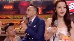 """Nữ chính """"Hạnh phúc trong tầm tay"""" bị fan cuồng xông lên sân khấu cầu hôn trên sóng truyền hình trực tiếp"""