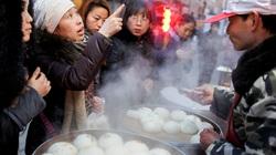 Thất nghiệp tăng kỷ lục, Trung Quốc khuyến khích người dân bán hàng rong