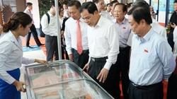 Bộ trưởng Bộ NNPTNT: Cá tra Việt Nam rẻ, giàu dinh dưỡng, sao không ăn?