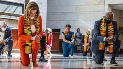 Khoảnh khắc các chính khách quyền lực Mỹ quỳ gối 8 phút 46 giây chống phân biệt chủng tộc