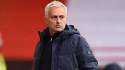 Tottenham gây thất vọng, Mourinho lại đổ lỗi cho trọng tài