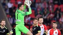 Filip Nguyễn lần đầu dự Europa League, HLV Park khó làm ngơ