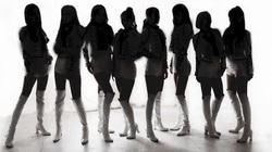 """Nữ idol Hàn Quốc bị đồng nghiệp tra tấn tinh thần, ép xem clip """"nóng"""""""
