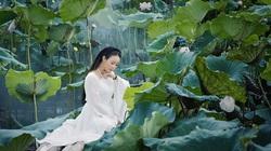 """Ca sĩ Hoa Trần hóa tiên nữ vườn sen, cố tình """"biến hình"""" bài hát của Hoài Lâm"""