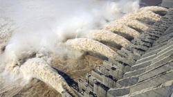 """Trung Quốc cảnh báo về trận lũ lớn hơn tấn công đập Tam Hiệp, dân """"ngồi trên đống lửa"""""""