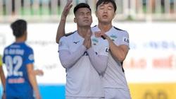 Vì sao sau khi ghi bàn, Văn Thanh lại nhắm mắt chắp tay cầu nguyện?
