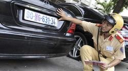 Từ 1/8, người bán xe phải nộp lại biển số và đăng kí xe