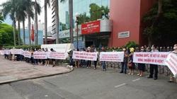 Hàng loạt học sinh Trường quốc tế Việt Úc (VAS) bị buộc phải thôi học