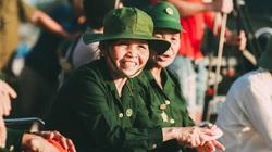 """Xúc động tâm sự nữ pháo binh anh hùng trong """"show diễn"""" đặc biệt của Thái Thùy Linh"""