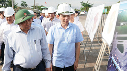 Thủ tướng thị sát nơi xây dựng khu tái định cư dự án sân bay Long Thành