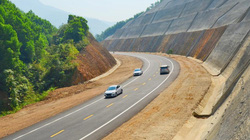 Chuyển đầu tư công 3 dự án cao tốc Bắc - Nam: Đấu thầu phải minh bạch