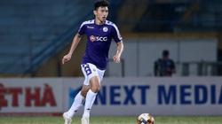 """Gặp khó đủ đường, bao giờ Văn Hậu mới về """"giải cứu"""" Hà Nội FC?"""