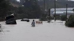 Lâm Đồng: Quốc lộ 27 ngập nặng, xe ô tô con chìm nửa thân