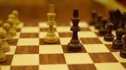 Làm thế nào để trở thành một cử nhân cờ vua?