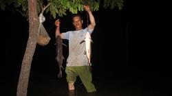 """Gia Lai: Trắng đêm theo thợ săn """"thủy quái"""" khủng lão luyện giữa rừng"""