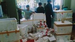 """Lâm Đồng: Lại kịp thời phát hiện 370kg dâu tây Trung Quốc chuẩn bị """"tuồn"""" ra chợ Đà Lạt"""